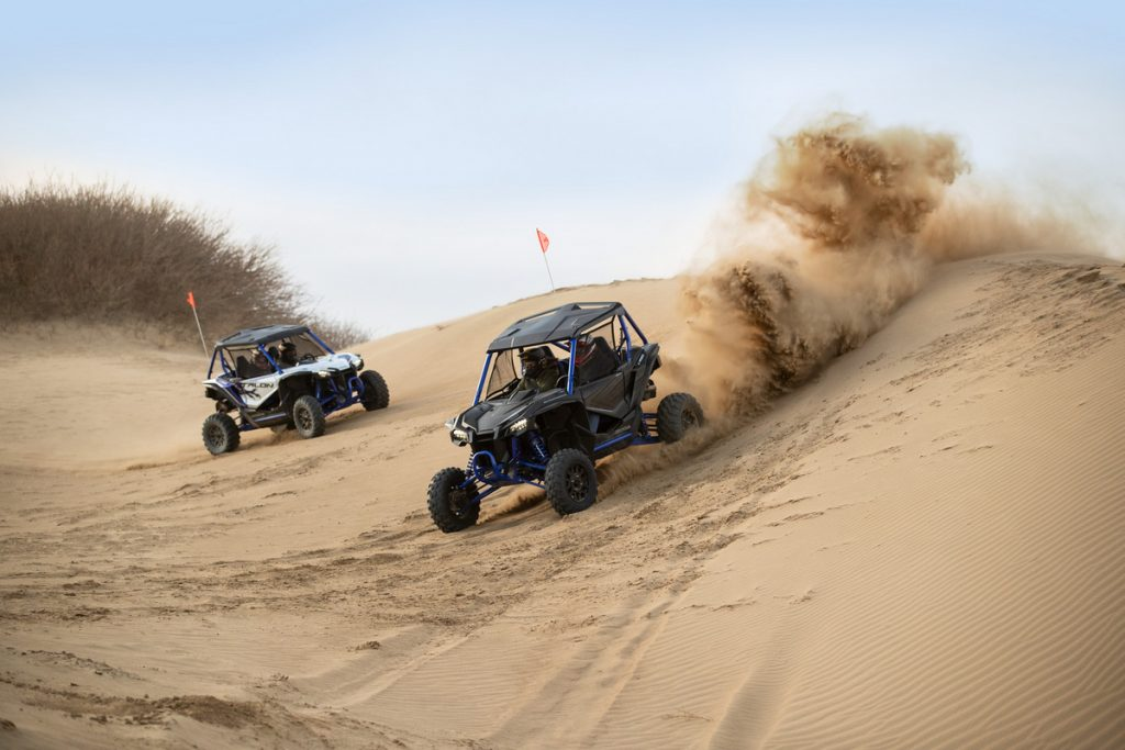 Honda Talon 1000 FOX Live Valve in the Dunes